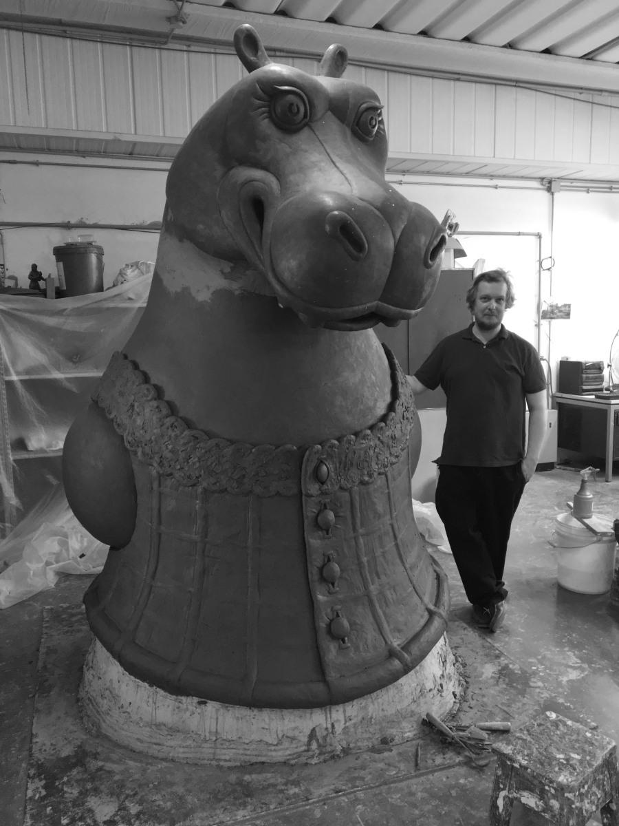 hippo-colossus
